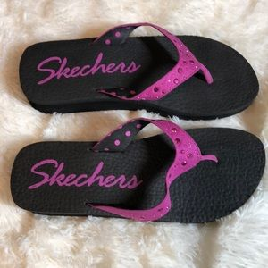 4 for $25 Skechers Pink Flip Flops